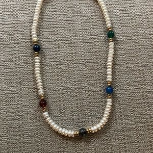 Freshwater pearl necklaces with Jade beads